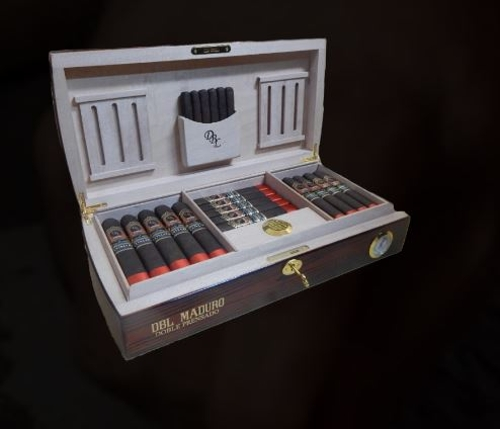 DBL Extra Viejo Doble Prensado with Humidor