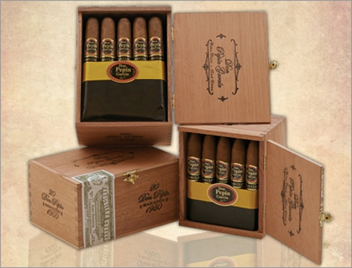 Don Pepin Cuban Classic 1979 Robusto with 7 Pack of Don Pepin Cigars, Torch Lighter and Double Cutter
